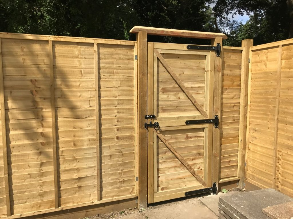 DIY garden gate built from scratch featheredge_band and hook hinge