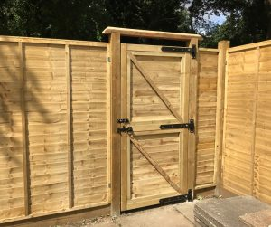 Read more about the article How to build a garden gate from scratch DIY
