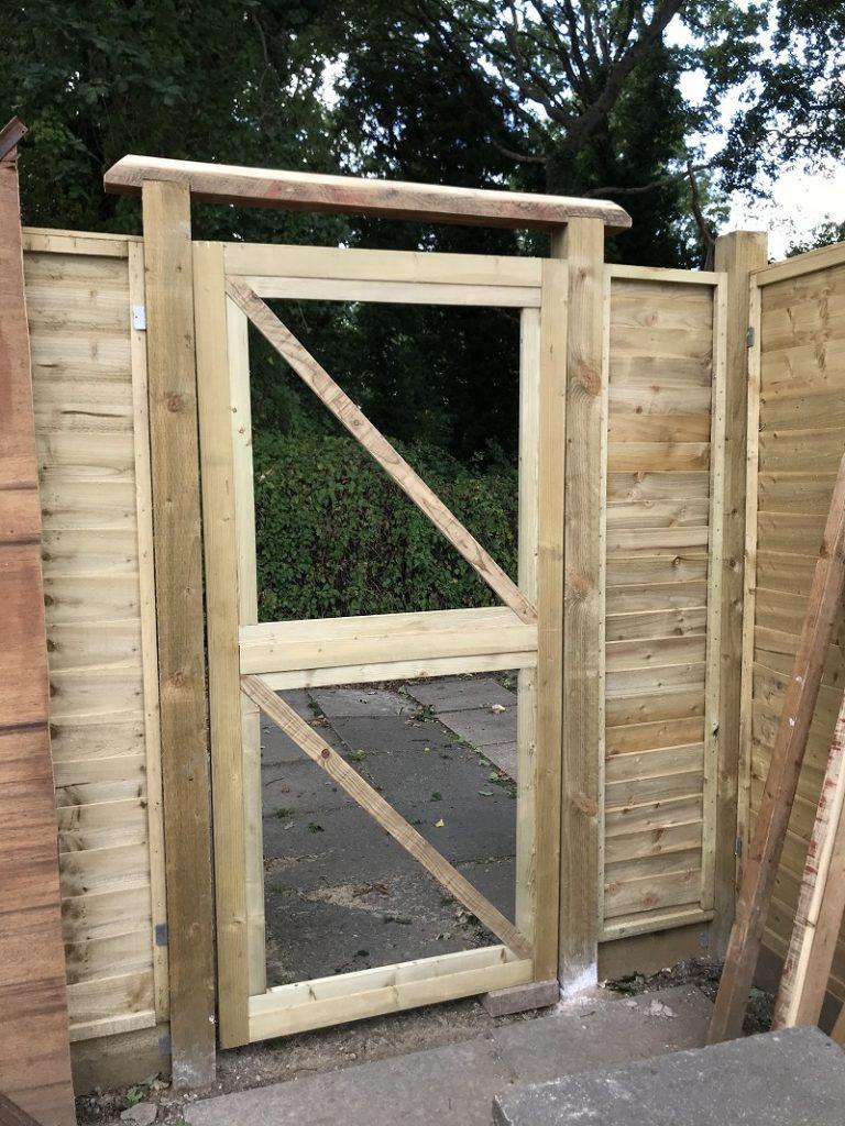 Techlifediy garden gate frame fit test