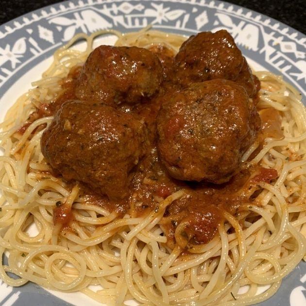 finished-served-meatballs