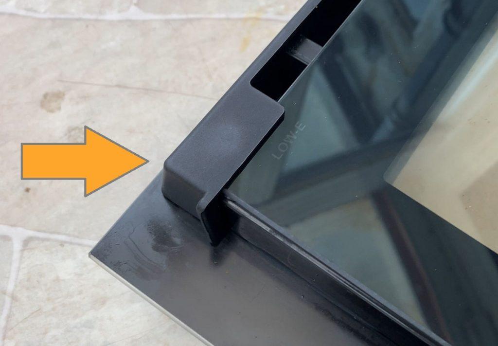 beko-oven-door-plastic-bracket