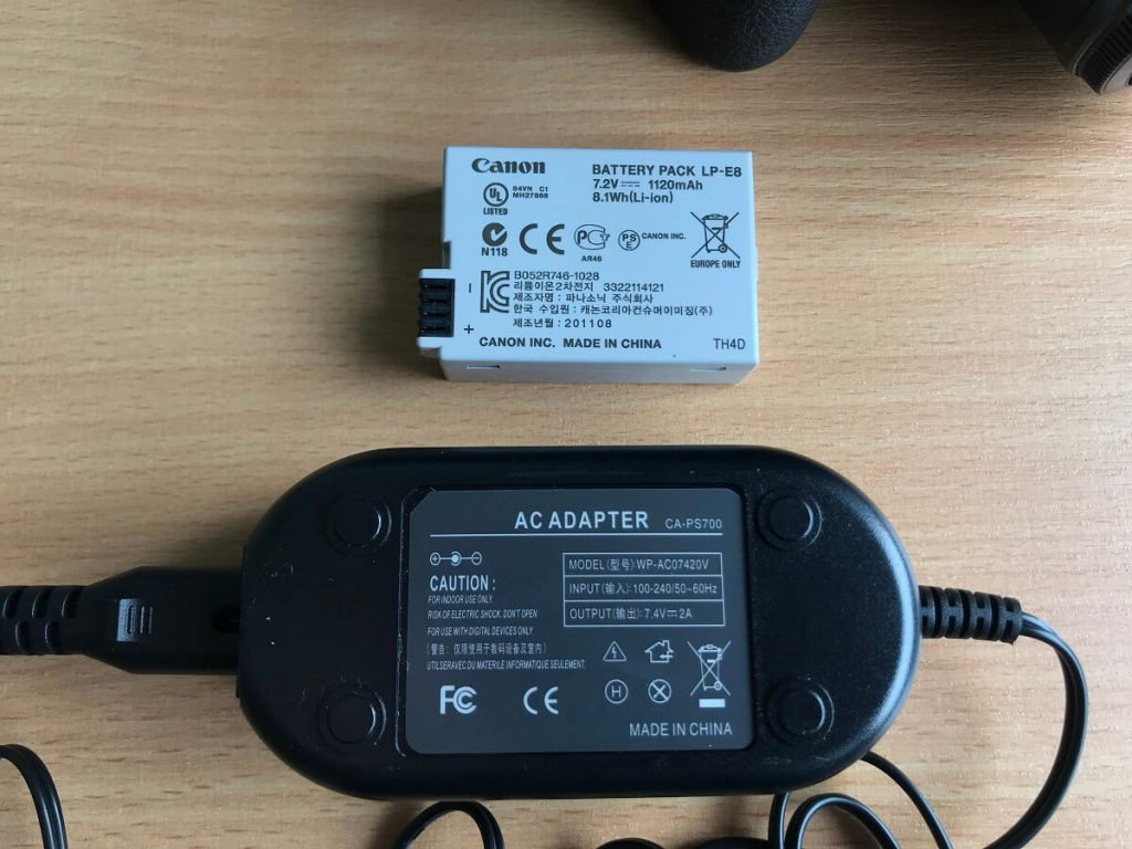 canon-dslr-dc-adapter-output-voltage-rating-compared-to-battery-pack