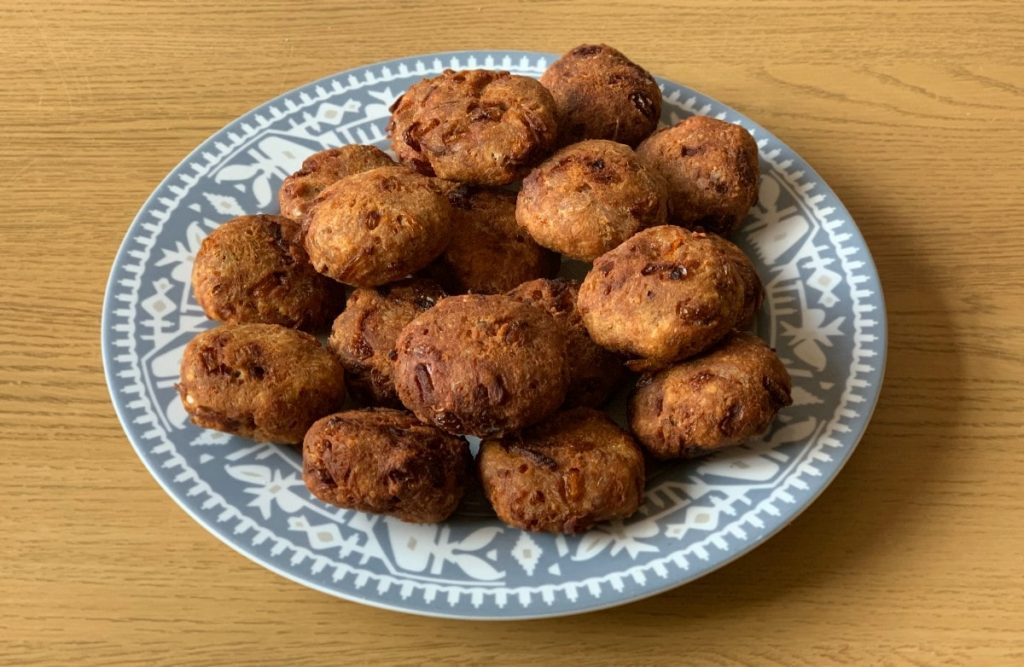 cooked-tuna-cutlets-burgers-ready-to-serve